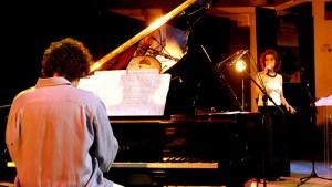 Felipe Gama (piano) et Ana Luiza (voix)